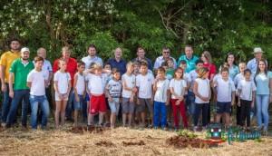 Plantio de 80 mudas Nativas e Frutíferas marca o Dia da Árvore em Missal -