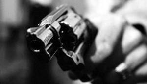 Itaipulândia: Indivíduos armados invadem mercado e roubam pertences e motocicleta -