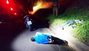 Em rápida ação da PM de Medianeira, dois indivíduos são presos e moto roubada é recuperada -