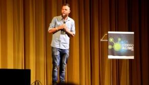 Palestra de Marcos Piangers é sucesso de público e consagra Conexão Acime -