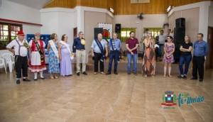 Grupo Sempre Alegre do Centro realiza Coroação do Rei do Bolão e Rainha do Bolãozinho -