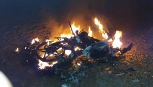 Medianeira: Motocicleta que havia sido furtada é encontrada incendiada -