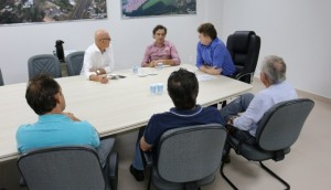 Administração se reúne com empresários do município -