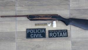 Matelândia: Policiais civis de Matelândia e Medianeira e da PM prendem duas pessoas e apreendem drogas, arma e munições -