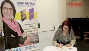 Eliana Scherbak faz lançamento de livros em Missal -