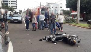 Medianeira: Mulher fica ferida em acidente envolvendo carro e moto no centro -