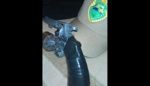 Vítima entra em luta corporal e toma arma de assaltante em Itaipulândia -