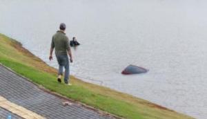 São Miguel: Veículo vai parar dentro do Lago Municipal após condutora perder controle da direção -