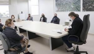 ACIME e representantes do comércio participam de reunião com o prefeito para discutir a situação referente aos decretos vigentes -