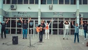 Matelândia: Igreja promove ação em frente a hospital, delegacia e prefeitura  -