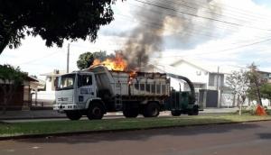 Medianeira: Bombeiros são acionados para combater incêndio em caçamba/triturador de galhos -