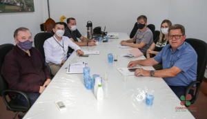 Administração Municipal de Missal se reúne com representantes da SEAB para tratar sobre convênios relacionados à Segurança Alimentar -