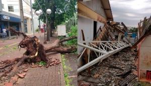 Medianeira e região: Temporal causa destelhamentos, queda de árvores e falta de energia -